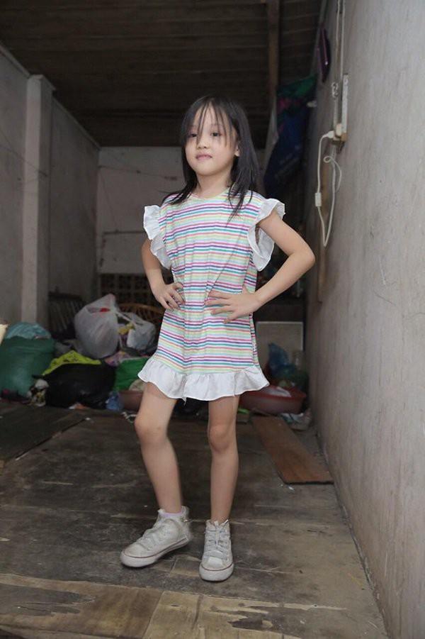 Hành trình vươn tới ước mơ từ em bé vô gia cư đến những bước tỏa sáng trên sàn catwalk chứng minh: Cổ tích đời thực là có thật! - Ảnh 5.