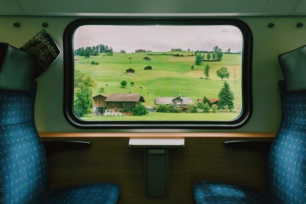 zurich - photo 11 1570153543791405226595 - Giữa lúc khắp nơi ô nhiễm như thế này, mời bạn xem ngay bộ ảnh du lịch xanh mướt ở Thụy Sĩ để xoa dịu tâm hồn nhé!