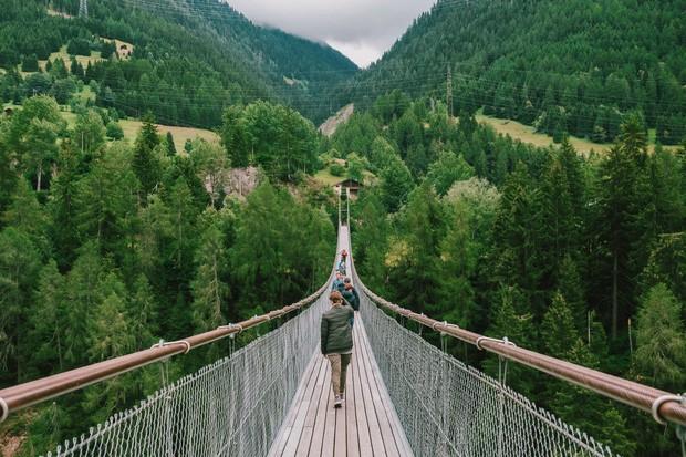 zurich - photo 13 15701535437951543555716 - Giữa lúc khắp nơi ô nhiễm như thế này, mời bạn xem ngay bộ ảnh du lịch xanh mướt ở Thụy Sĩ để xoa dịu tâm hồn nhé!
