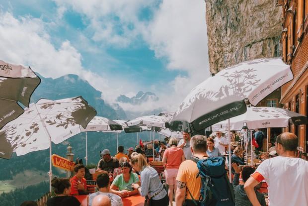 zurich - photo 15 15701535438001409079936 - Giữa lúc khắp nơi ô nhiễm như thế này, mời bạn xem ngay bộ ảnh du lịch xanh mướt ở Thụy Sĩ để xoa dịu tâm hồn nhé!
