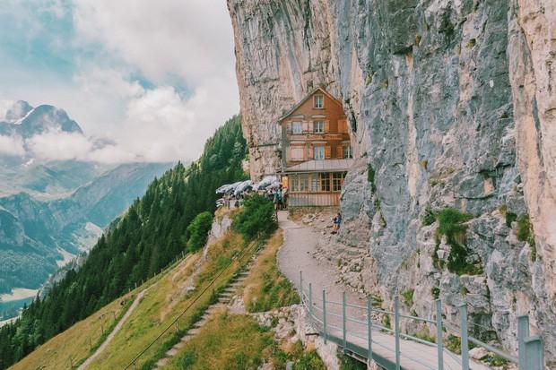 zurich - photo 17 15701535438041063936781 - Giữa lúc khắp nơi ô nhiễm như thế này, mời bạn xem ngay bộ ảnh du lịch xanh mướt ở Thụy Sĩ để xoa dịu tâm hồn nhé!