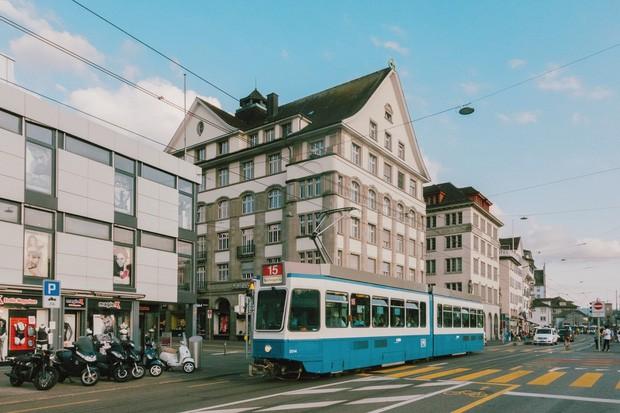 zurich - photo 18 1570153543805588921623 - Giữa lúc khắp nơi ô nhiễm như thế này, mời bạn xem ngay bộ ảnh du lịch xanh mướt ở Thụy Sĩ để xoa dịu tâm hồn nhé!