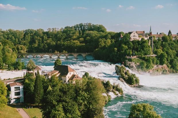 zurich - photo 21 1570153543809876344251 - Giữa lúc khắp nơi ô nhiễm như thế này, mời bạn xem ngay bộ ảnh du lịch xanh mướt ở Thụy Sĩ để xoa dịu tâm hồn nhé!