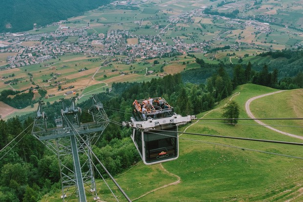 zurich - photo 4 15701535437761945907497 - Giữa lúc khắp nơi ô nhiễm như thế này, mời bạn xem ngay bộ ảnh du lịch xanh mướt ở Thụy Sĩ để xoa dịu tâm hồn nhé!