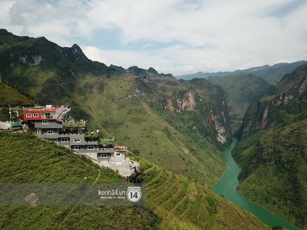 Bà chủ Mã Pì Lèng Panorama: Nếu như công trình bị thu hồi, tôi chỉ còn nước nhảy xuống sông Nho Quế - Ảnh 2.