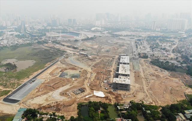 Sau 6 tháng thi công, hình hài đường đua ôtô F1 tại Hà Nội ra sao? - Ảnh 7.