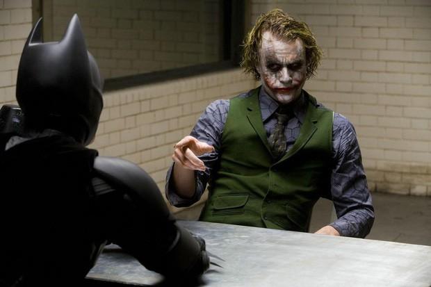 10 câu thoại ghi vào lịch sử của Joker: Nếu bạn giỏi thứ gì đó đừng bao giờ làm nó miễn phí trở thành tuyên ngôn thời đại - Ảnh 2.