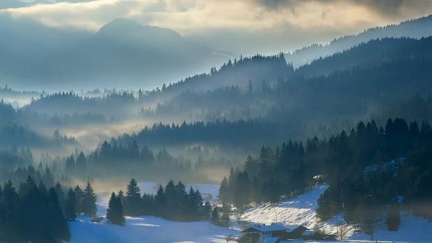 Những vùng đất đẹp như thiên đường ở châu Âu ít người biết tới - Ảnh 11.