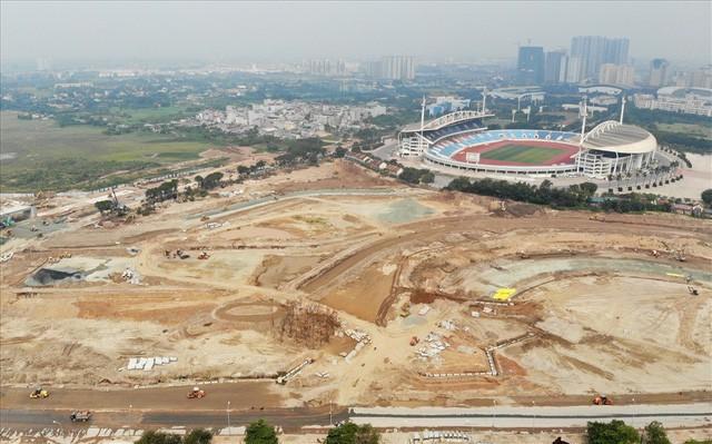 Sau 6 tháng thi công, hình hài đường đua ôtô F1 tại Hà Nội ra sao? - Ảnh 4.
