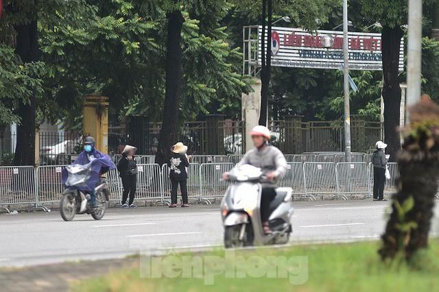 việt nam - malaysia - photo 1 1570542017981257401716 - Hai ngày trước trận Việt Nam – Malaysia: Sốt vé xình xịch giữa trời mưa
