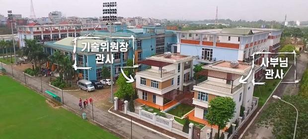Báo Malaysia tố tuyển Việt Nam cố tính chơi bẩn về vấn đề sân tập, HLV Park Hang-seo bị lôi ra chỉ trích - Ảnh 1.