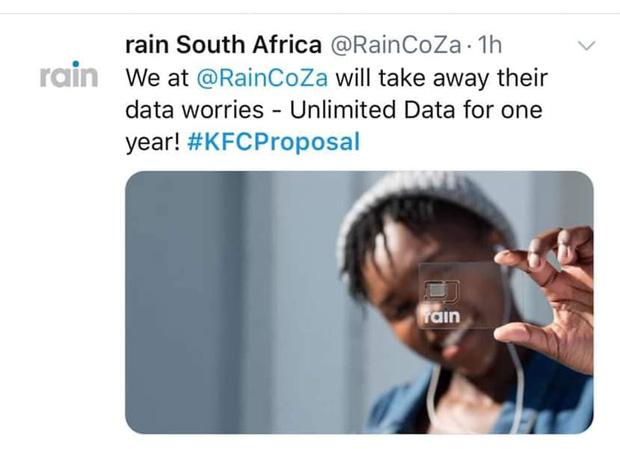 Mạnh dạn cầu hôn trong KFC, cặp đôi bất ngờ bị hàng loạt thương hiệu lớn truy lùng đòi... tặng quà khủng và đài thọ toàn bộ chi phí cưới hỏi - Ảnh 10.