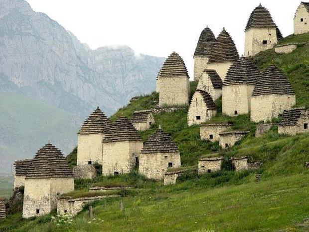 """Khám phá vẻ đẹp vừa yên bình vừa ma mị của ngôi làng nước Nga được mệnh danh """"thành phố chết, đã bước vào thì khó trở ra - Ảnh 4."""