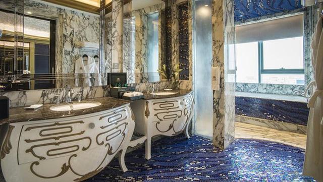 Bên trong khách sạn 6 sao Bảo Thy tổ chức đám cưới: Nơi dành cho giới quyền lực và siêu giàu - Ảnh 10.