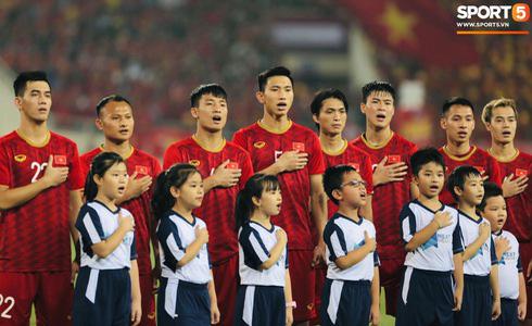 Tiến Linh lập siêu phẩm, tuyển Việt Nam hạ gục UAE để chiếm ngôi đầu bảng từ tay Thái Lan - Ảnh 20.