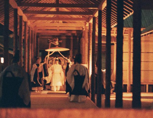 Hôm nay Nhật hoàng sẽ qua đêm với Nữ thần mặt trời trong nghi lễ lên ngôi cuối cùng trị giá hơn 580 tỷ đồng - Ảnh 5.