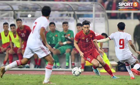 Tiến Linh lập siêu phẩm, tuyển Việt Nam hạ gục UAE để chiếm ngôi đầu bảng từ tay Thái Lan - Ảnh 7.