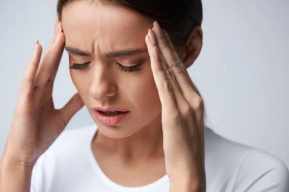 Đừng thức dậy vào buổi sáng theo cách này vì nó có thể gây tổn thương cho cơ thể nhiều hơn khi bạn thức khuya  - Ảnh 2.