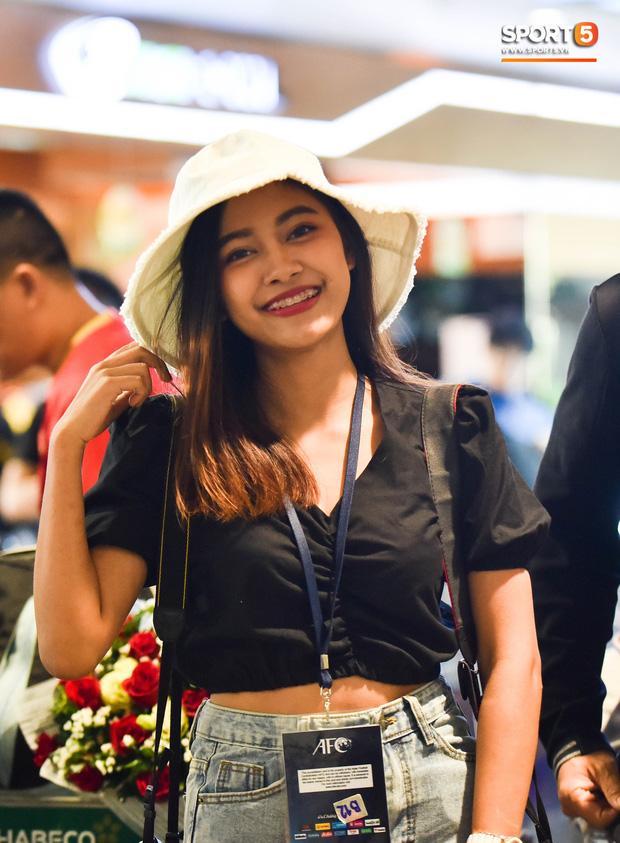 100 phóng viên Thái Lan đổ bộ sang Việt Nam tác nghiệp vòng loại World Cup 2022 - Ảnh 1.