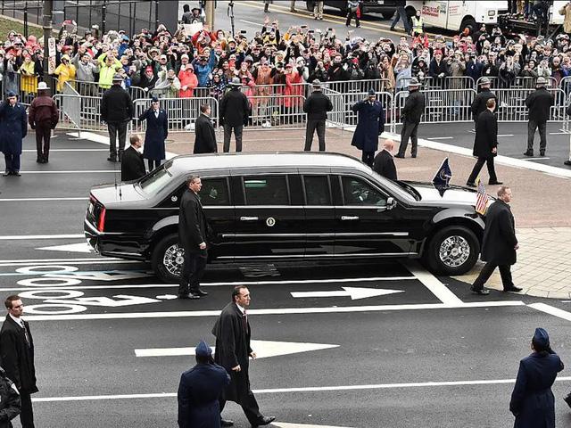 """Vụ ám sát tổng thống Kennedy đã """"cách mạng hóa"""" những chiếc xe chuyên chở các Tổng thống như thế nào? - Ảnh 7."""