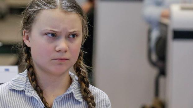 Dân mạng xôn xao khi Greta Thunberg xuất hiện trong bức hình từ cách đây 120 năm: Tấm hình có thật 100%, phải chăng cô bé có thể xuyên không? - Ảnh 1.