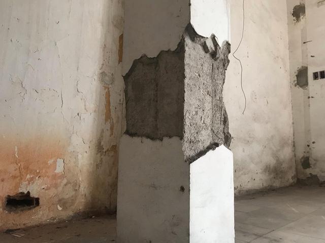 Bên trong căn biệt thự kiểu Pháp hoang tàn trên đất vàng Hà Nội trở thành nơi gửi xe - Ảnh 13.