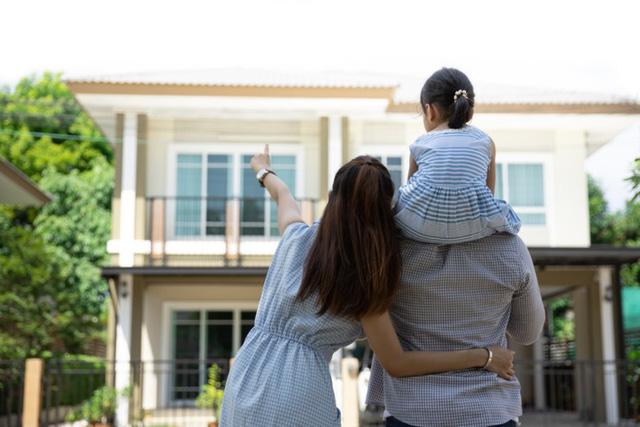 Giá BĐS tại TP.HCM tăng chóng mặt, thu nhập 25-30 triệu đồng vẫn khó mua nhà - Ảnh 2.