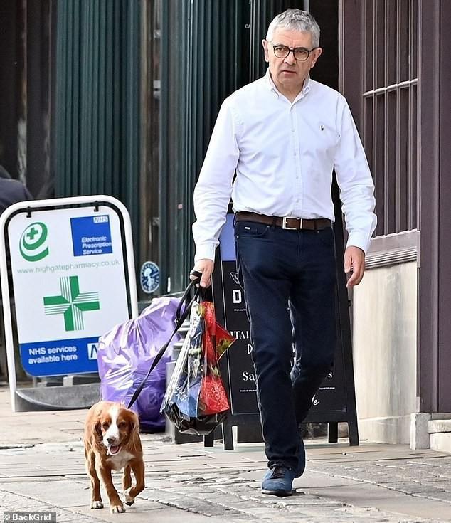 Mr Bean: Phản bội vợ theo tình trẻ đáng tuổi con, hết thời, già nua ở tuổi U70 - Ảnh 7.