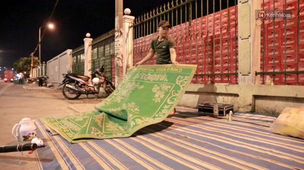 Cuộc sống màn trời chiếu đất của những người hành nghề giác hơi ở Sài Gòn - Ảnh 5.