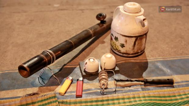 Cuộc sống màn trời chiếu đất của những người hành nghề giác hơi ở Sài Gòn - Ảnh 9.