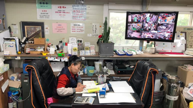Gabbujubang - nơi phô bày cuộc khủng hoảng kinh tế đường phố tại Hàn Quốc - Ảnh 1.