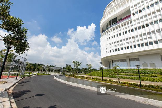 Khám phá Ngôi nhà hình lục giác trị giá hơn 400 tỷ đồng đang làm mưa làm gió sinh viên Sài Gòn - Ảnh 16.