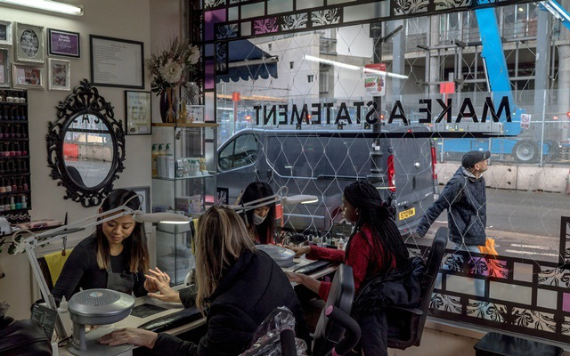 Hàng loạt nữ sinh Việt nhập học ở Anh đột ngột biến mất, một số người được phát hiện đang ở trong tiệm nail - Ảnh 4.