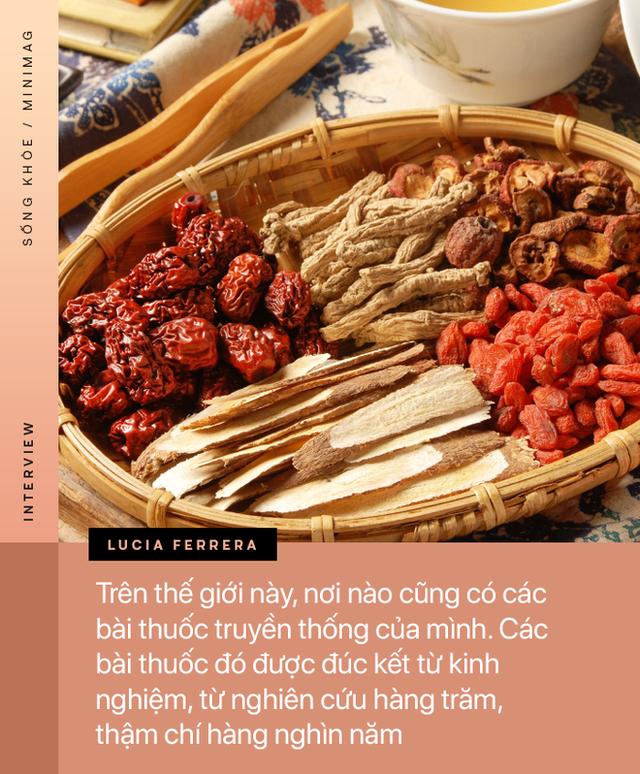 PHỎNG VẤN ĐỘC QUYỀN: TS. Dược sĩ nổi tiếng người Ý cảnh báo về mặt trái của thuốc, đường, thịt cá và tiết lộ tác dụng của hạnh phúc - Ảnh 2.