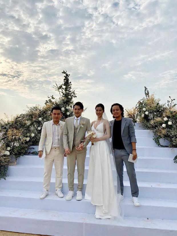 Cập nhật: 200 sao Việt xúng xính váy áo dự đám cưới đẹp như mơ của Đông Nhi - Ông Cao Thắng - Ảnh 7.