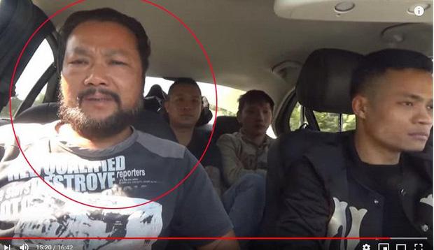 Sự thật clip tóm gọn nhóm người mặt đen, cầm đầu gà xúc xích đi xin tiền: Người đàn ông thừa nhận dàn dựng để câu view - Ảnh 3.