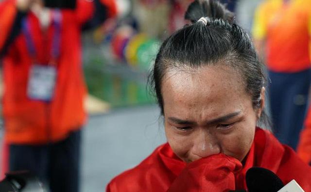 SEA Games 30: Góc khuất của những tấm huy chương và giọt nước mắt xót xa của các nữ vận động viên mang vinh quang về cho thể thao nước nhà - Ảnh 3.
