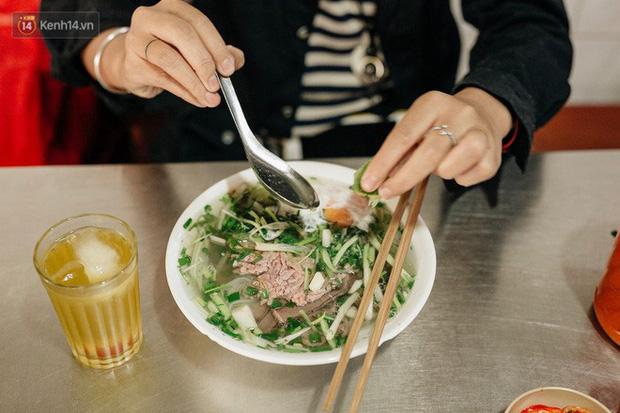 5 món ăn Việt Nam được HLV Park Hang-seo yêu thích nhất: Ai ngờ thầy còn thích cả… nước mắm và cơm nắm muối vừng - Ảnh 3.