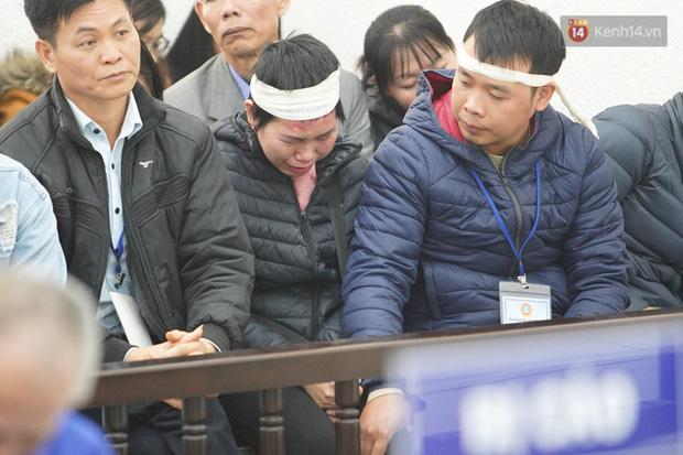 Kẻ truy sát cả nhà em ruột ở Đan Phượng cúi gằm mặt khi bị tuyên án tử hình - Ảnh 22.