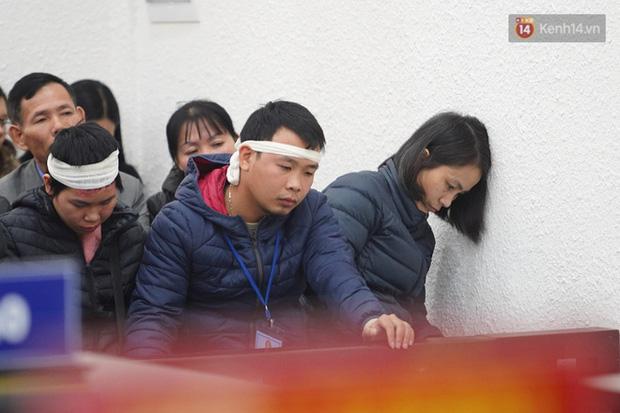 Kẻ truy sát cả nhà em ruột ở Đan Phượng cúi gằm mặt khi bị tuyên án tử hình - Ảnh 24.