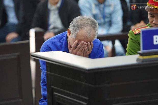 Kẻ truy sát cả nhà em ruột ở Đan Phượng cúi gằm mặt khi bị tuyên án tử hình - Ảnh 26.