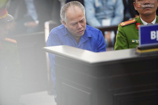 Kẻ truy sát cả nhà em ruột ở Đan Phượng cúi gằm mặt khi bị tuyên án tử hình - Ảnh 34.