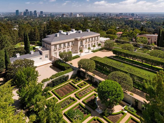 Chiêm ngưỡng dinh thự 150 triệu USD đắt nhất khu nhà giàu California - Ảnh 2.