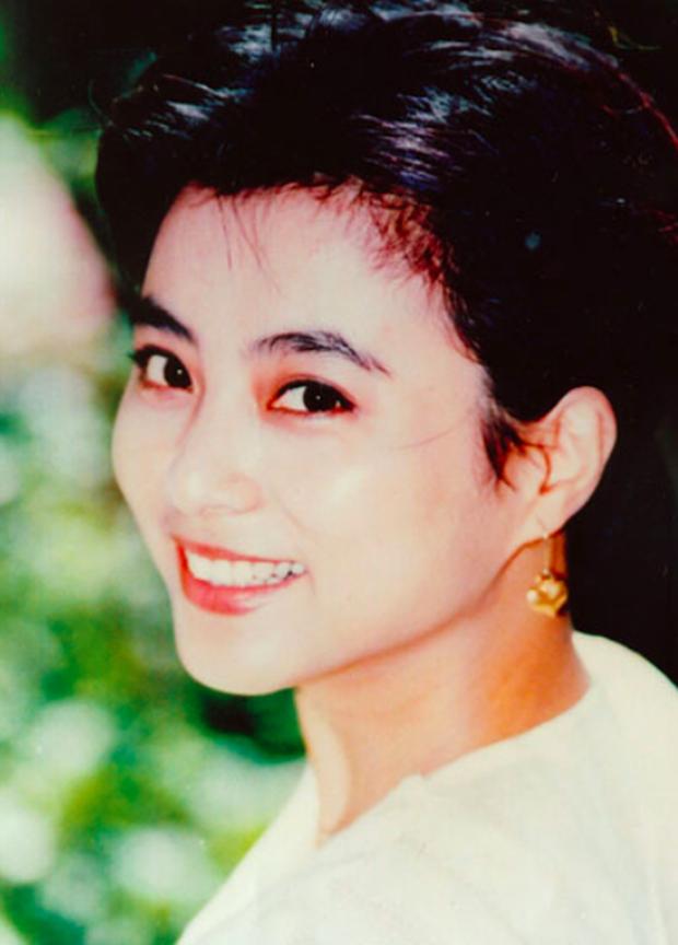 Mỹ nhân đẹp nhất nhì Tây du ký 1986: Bỏ chồng ngoại quốc, mang con về nước nuôi và nhan sắc bất ngờ ở tuổi U60 - Ảnh 3.