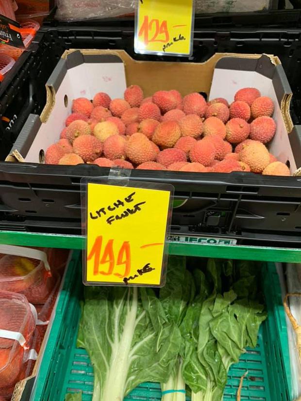 Review đồ ăn Việt ở nước ngoài: hoa quả vừa đắt lại vừa hiếm, các món bún phở giá cao ngất ngưởng mà chất lượng thì hên xui - Ảnh 3.