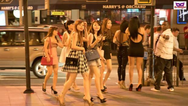 Chuyện về ngành công nghiệp sex Singapore: Bán dâm hợp pháp và vòng luẩn quẩn lách luật của những cô gái đứng đường không còn lựa chọn - Ảnh 5.
