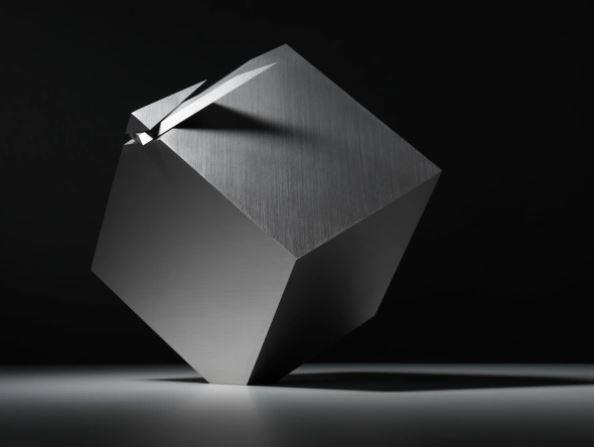 Chiếc đồng hồ với thiết kế cực dị cứ đúng 12 giờ là biến thành khối lập phương, trị giá hơn 1 tỉ đồng - Ảnh 2.