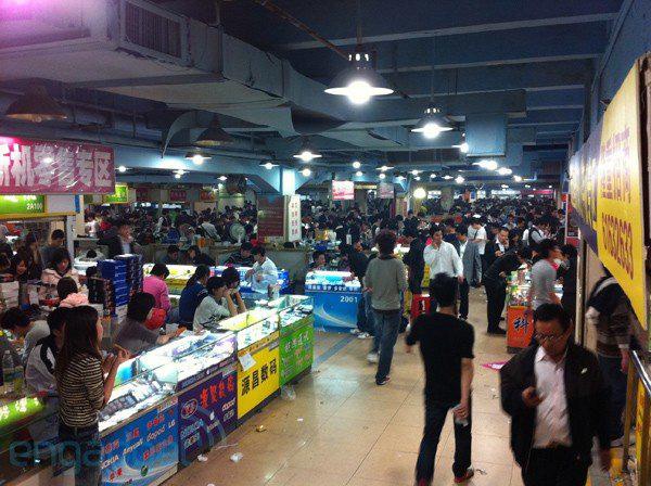 Hoa Cường Bắc - Khu chợ điện tử nổi tiếng nhất Trung Quốc nay bị nhuộm hồng bởi đồ mỹ phẩm - Ảnh 6.