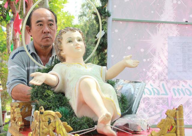 Người Sài Gòn tất bật chuẩn bị chào đón Giáng sinh  - Ảnh 7.
