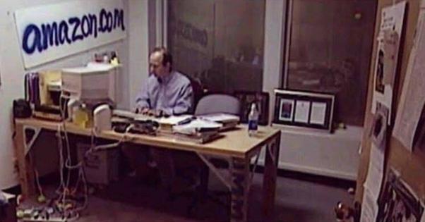 Những điều không ai ngờ tới về tỷ phú Jeff Bezos - Ảnh 1.